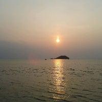 Photo taken at Warung Seafood Bang Pasha by agus R. on 9/30/2012