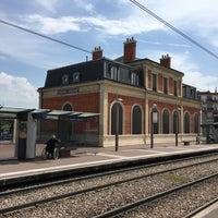 Photo taken at Station Suresnes – Longchamp [T2] by Shuji M. on 5/28/2017