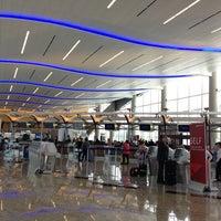 6/27/2013 tarihinde MH H.ziyaretçi tarafından Atlanta Hartsfield–Jackson Uluslararası Havalimanı (ATL)'de çekilen fotoğraf
