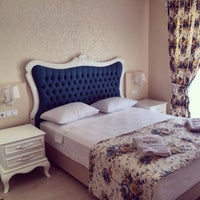 Foto scattata a Göcek Naz Hotel da AlperEzgi F. il 3/24/2014