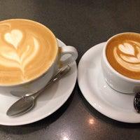 Снимок сделан в Joe: The Art of Coffee пользователем Rose T. 1/2/2015