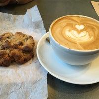 Снимок сделан в Joe: The Art of Coffee пользователем Rose T. 3/8/2015