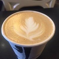Das Foto wurde bei Birch Coffee von Rose T. am 9/18/2017 aufgenommen