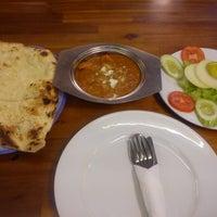 Photo taken at Pakistan Restaurant - Taj Mahal by Uyen N. on 9/2/2013