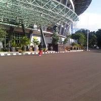 Photo taken at Jogging Track by Pram. b. on 2/3/2013