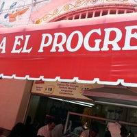 Photo prise au Taqueria El Progreso par Adolfo R. le7/15/2013