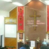 Photo taken at Gereja Kristen Indonesia (GKI) Ngagel by Hitam Putih T. on 12/25/2015