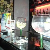 Das Foto wurde bei Casual Lounge Caffe von Elisabete M. am 1/8/2014 aufgenommen