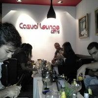 Das Foto wurde bei Casual Lounge Caffe von Elisabete M. am 11/8/2013 aufgenommen