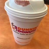 Photo taken at Dunkin Donuts by Özge Ö. on 8/28/2017
