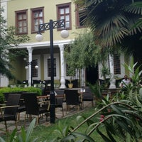 7/23/2013 tarihinde İrem C.ziyaretçi tarafından Mimarlar Odası Bahçe Cafe & Restaurant'de çekilen fotoğraf