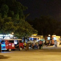 Photo taken at Tropical Park Food Trucks by Diosa N. on 9/24/2016