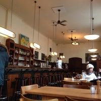 Das Foto wurde bei Weltrestaurant Markthalle von Julia L. am 11/10/2013 aufgenommen