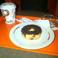 Photo taken at Dunkin' Donuts by go f. on 9/12/2015
