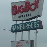 Photo taken at Big Boy Burgers by Tara P. on 10/1/2014