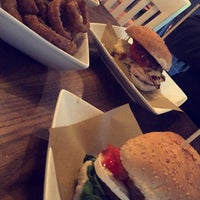 Photo taken at Handmade Burger Co by ROoROo A. on 5/31/2016