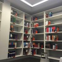 12/8/2015에 Val E.님이 EUC Library에서 찍은 사진