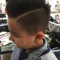Photo taken at Saloon De Barber'S by Aykut K. on 3/26/2016