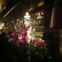 Das Foto wurde bei Neue Odessa Bar von simon l. am 9/15/2012 aufgenommen