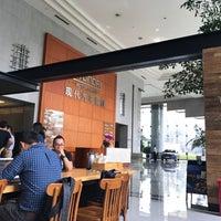 Photo taken at 现代汽车大厦 Hyundai Motor Tower by simon l. on 9/8/2017