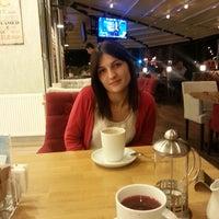 รูปภาพถ่ายที่ Kahve Diyarı โดย Sezen Y. เมื่อ 10/14/2013