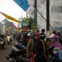 Photo taken at Kampoeng Ramadhan Jogokaryan by Bunda Upik S. on 7/7/2014