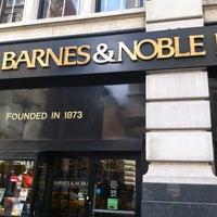 Foto scattata a Barnes & Noble da Hans W. il 10/6/2012