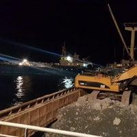 Photo taken at denizin ortası by Onur Aşkın K. on 10/22/2014