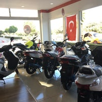Photo taken at Honda Ataberk Plaza Kumluca by Ahmet on 10/21/2016