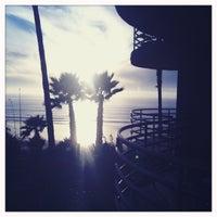 Foto tomada en Pacific Terrace Hotel por Jessica B. el 11/15/2012