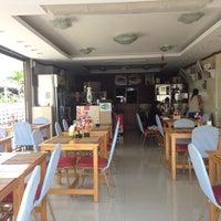 Das Foto wurde bei Anoma's Restaurant von Ingo T. am 2/23/2014 aufgenommen