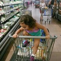 Das Foto wurde bei Walmart Supercenter von Joy P. am 9/12/2013 aufgenommen