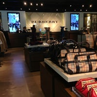 burrberry outlet shsd  Photo taken at Burberry Outlet by Enio G on 3/19/2014