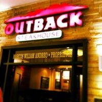 Foto tirada no(a) Outback Steakhouse por Enio G. em 7/9/2014