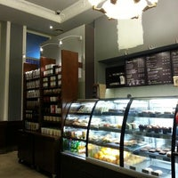 Снимок сделан в Starbucks пользователем Thomas W. 2/21/2013