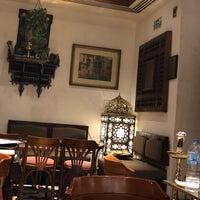 Foto diambil di Naguib Mahfouz Cafe oleh ALJOHARA pada 7/30/2018