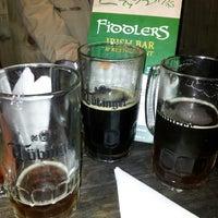 Foto tomada en Fiddlers Irish Bar por Conejotron M. el 5/11/2013