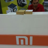 Photo taken at Xiaomi Service Center by тнє ιηgяєѕѕ σρєяαтινє S. on 5/23/2014