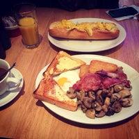 Photo taken at Dizzy's Café by Stavros T. on 2/7/2014