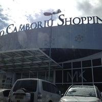 Foto tirada no(a) Balneário Shopping por Bruno O. em 10/13/2012