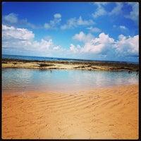Foto tirada no(a) Praia Mirante da Sereia por Thaisa C. em 4/13/2013