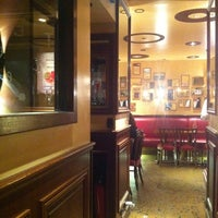 Photo taken at L'Étoile Manquante by G 5. on 11/25/2012