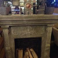 Снимок сделан в ROOM Cafe&Bar пользователем Лена Д. 12/5/2015
