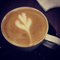 Photo prise au black coffee dessert bar par Dot C. le12/2/2012