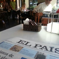 Photo taken at Flaires del Cafè by Javier G. on 10/6/2013