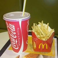 Photo taken at McDonald's by アライ on 8/2/2015