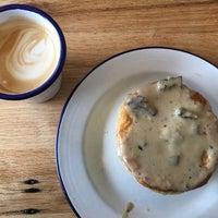 Photo taken at Fork-In Aussie Pie Kitchen, Santa Monica by Lynne 🐰 Q. on 11/20/2016