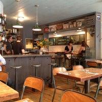 9/13/2013 tarihinde Vanessa V.ziyaretçi tarafından Northern Spy Food Co.'de çekilen fotoğraf