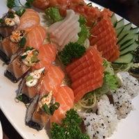 Foto tirada no(a) Sushi Iê por Luciano J. em 10/15/2014