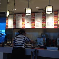 Photo taken at Kenny Rogers Roasters by Normie R. on 9/11/2014